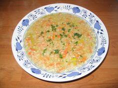 Na obilovinu jménem pohanka často zapomínáme, přestože naše babičky ji jedly a vařily úplně běžně. A je to škoda, pohanka je totiž plná vlákniny, důležitých minerálů i vitamínů. Pohanková večeře je tedy nejen lehká a chutná, ale i zdravá. Baby Food Recipes, Soup Recipes, Cheeseburger Chowder, Quinoa, Curry, Gluten Free, Yummy Food, Ethnic Recipes, Per Diem