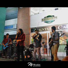 Así estuvo el concierto de @descarga_primitiva este sábado 18 en la #NocheCultural de @aventuracafe. . Complacidos con la calidad musical de esta joven banda y nuestras felicitaciones para los amigos de #AventuraCafe por esta excelente iniciativa apoyando como siempre el talento y el arte local. . . #MiradasMagazine #Miradas #Anzoategui #Lecheria #Mochima #Publicidad #Mercadeo #Tecnologia #Turismo #Arte #Cultura #Actualidad #Tendencias #NegociosEfectivos20