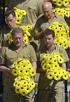Steve Irwin Funeral | Australia mourns for Steve Irwin's funeral