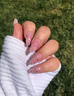 nails with stars on them * nails with stars . nails with stars design . nails with stars and moon . nails with stars acrylic . nails with stars sparkle . nails with stars on them . nails with stars design acrylic Aycrlic Nails, Star Nails, Hair And Nails, Star Nail Art, Coffin Nails, Summer Acrylic Nails, Best Acrylic Nails, Acrylic Nail Art, Summer Nails