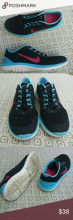 Nike womens 8 In very good condition super light very attractive colors a must have selling as is womens 8 Nike Shoes Athletic Shoes