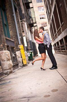 milwaukee. engagement photography urban couples alley milwaukee