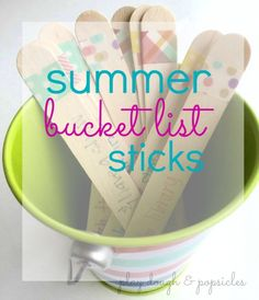 Summer Bucket List Sticks. DIY. Free Printable. Ideas to keep summer fun for kids. Outdoor activities for preschoolers.