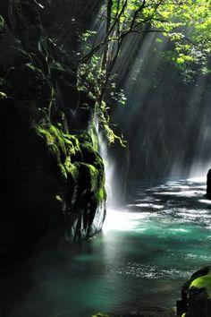 Kikuchi Gorge, Kumamoto, Japan... this looks so soothing