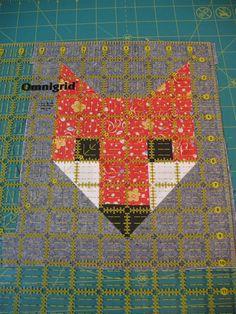 Fancy Fox quilt from Ye Olde Sweatshop Quilt Square Patterns, Paper Piecing Patterns, Patchwork Patterns, Quilt Block Patterns, Pattern Blocks, Square Quilt, Quilt Blocks, Quilt Baby, Fox Quilt