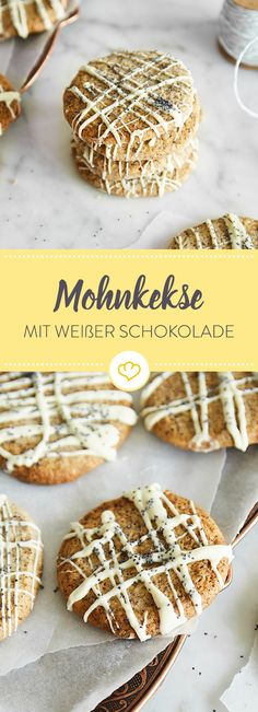 Mohnkekse Christmas time is cookie time. With this simple recipe, you can bake your own poppy seeds New Recipes, Sweet Recipes, Cookie Recipes, Poppy Seed Cookies, Cookie Time, Vegan Baking, Cake Cookies, Camembert Cheese, Bakery