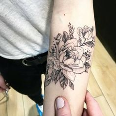 "2,234 Likes, 5 Comments - TTBLACKINK  (@ttblackink) on Instagram: ""@korolevatattoo _________________________________ #blacktattoo#tattooed#flowers…"""