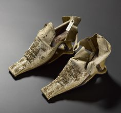 #onthisday 1565 Mary Queen of Scots marries Henry, Lord Darnley. These 1660s shoes were originally thought to be hers