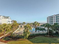 Summer House 210 Villa Isle of Palms (South Carolina) Situated in Island of Palms, this air-conditioned villa features an outdoor pool. The property features views of the sea and is 20 km from Charleston. Free WiFi is available throughout the property.