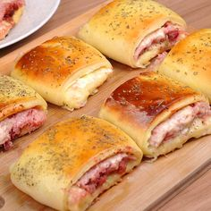 Fun Baking Recipes, Meat Recipes, Mexican Food Recipes, Appetizer Recipes, Snack Recipes, Cooking Recipes, Dinner Rolls Recipe, Food Carving, Easy Cooking