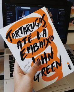 Tartarugas até lá embaixo - John Green Primeiro livro concluído em 2018! Me surpreendeu bastante, muito bem escrito e repleto de citações…