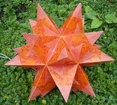 Bascettastern aus orangem Transparentpapier