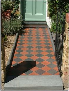 A lovely example of red and black pathway tiles on a Victorian home. (Nice front door colour too!) A lovely example of red and black pathway tiles on a Victorian home. (Nice front door colour too! Victorian Front Garden, Victorian Front Doors, Victorian Tiles, Victorian Gardens, Victorian Terrace, Victorian House, Best Front Doors, Front Door Entrance, Front Door Colors
