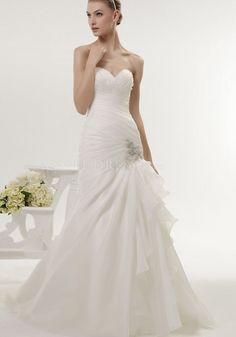 Decent Floor Length Fit N Flare Sweetheart Organza Wedding Gowns With Ruching