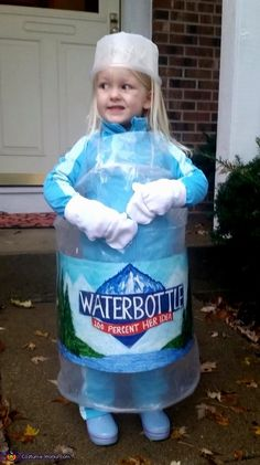 My 3 year old daughter told me 2 months ago she wanted to be water bottle for Halloween. I thought it was hilarious and was pretty sure she would change her mind.she never did change her mind. So the challenge to construct her vision of. Twin Halloween, Halloween Costumes For 3, Women Halloween, Halloween Party, Zombie Costumes, Halloween Couples, Family Costumes, Halloween Spider, Group Costumes