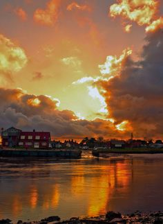 The River Blyth - you can cross from the Southwold side to Walberswick by crossing a bailey bridge or by a foot ferry (in the summer). Suffolk Coast, Suffolk England, Beautiful Sunset, Beautiful World, Beautiful Places, British Isles, Prince, Norfolk, Great Britain