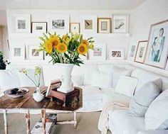 Normally I am not a big fan up white couches.... but I really like this room (maybe the sunflowers got me)