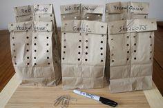 bolsas de papel perforadas para guardar ajos y cebolla