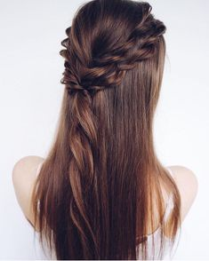 Pretty half up half down hairstyle - Fabmood   Wedding Colors, Wedding Themes, Wedding color palettes #weddinghairstyles
