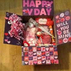 14 cute valentines day care packages for your long distance relationship #valentinesday #carepackage #valentinesdaygifts Valentines Day Care Package, Valentines Day Gifts For Friends, Valentines Ideas For Him, Valentines Diy, Cute Gifts For Your Boyfriend, Boyfriend Gifts, Valentines Day Long Distance, Boyfriend Care Package, Kids Gift Baskets