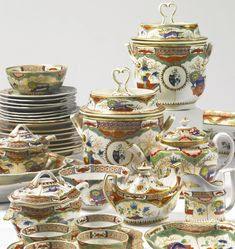 PROPERTY FROM AN IMPORTANT AMERICAN COLLECTION An assembled Worcester, Chamberlain's Worcester and Coalport 'Dragons in Compartments' part dinner and dessert service late 18th/early 19th century