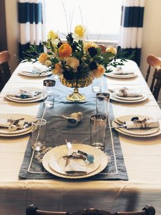 Easter Tablescape 2018 #easter #centerpiece #floral #spring