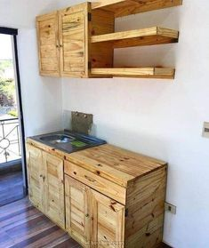 50 amazing DIY pallet kitchen cabinets design ideas - Best Diy Home Decoration Pallet Kitchen Cabinets, Pallet Cabinet, Kitchen Cabinet Design, Wooden Kitchen, Diy Kitchen, Rustic Kitchen, Kitchen Decor, Pallet Dining Table, Diy Outdoor Table