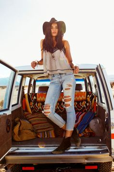 fc0023265b1 AEO Denim X4 Jegging Crop in Tattered Frost. Destroyed denim with fading  and whiskering details. American Eagle Outfitters