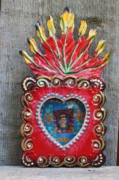 Hand Made Frida Kahlo Double Heart Tin Niche Reliquary Retablo Mexican Folk Art