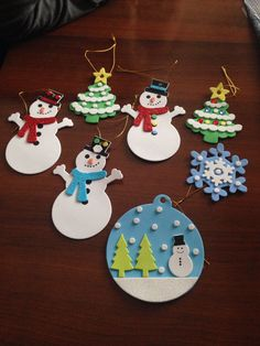 Easy Christmas ornaments to make with kids Christmas Art For Kids, Preschool Christmas Crafts, Easy Christmas Ornaments, Felt Christmas, Diy Christmas Gifts, Christmas Decorations, Toddler Crafts, Crafts For Teens, Easy Crafts