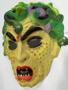 Vintage Plastic Halloween Medusa Mask Old Halloween Costumes, Vintage Halloween Photos, Retro Halloween, Halloween Horror, Halloween Masks, Halloween Outfits, Vintage Fall, Vintage Holiday, Plastic Mask