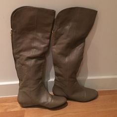 Steve Madden over the knee boots Over the knee leather boots with gold back zipper Steve Madden Shoes Over the Knee Boots