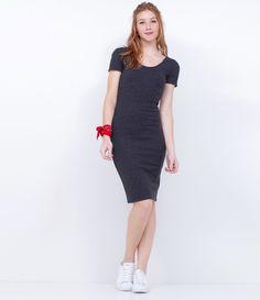 Vestido feminino     Tubinho     Comprimento Midi    Manga curta      Gola redonda      Marca: Blue Steel      Tecido: algodão      Modelo veste tamanho: P           Medidas da Modelo:         Altura: 1.72    Busto: 78    Cintura: 59    Quadril: 91    Manequim: 36         COLEÇÃO VERÃO 2017         Veja outras opções de    vestidos femininos.