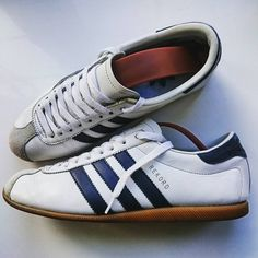Adidas Rekord. Release: 2003.