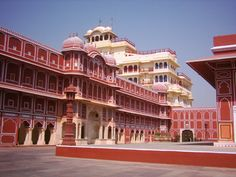 City Palace jaipur:-  is also know as  Chandra Mahal and Mubarak Mahal, it is built by Sawai Jai singh. Time Schedule; 10:00 AM to 5:00 PM everyday (except on Holi, Diwali and National Holidays)