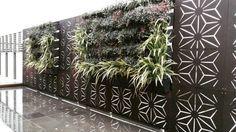 cloison végétale en panneau occultant métallique et plantes Laser Cutting, Fence, 3d Printing, Outdoor Structures, Landscape, Wall, Inspiration, Home Decor, Facades