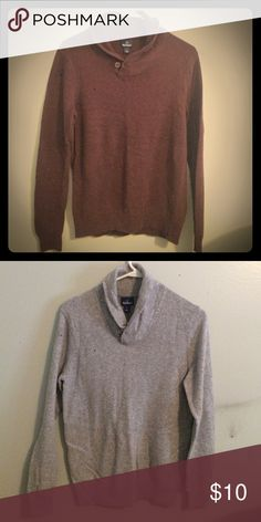 Burgundy cowl neck sweater Light weight cowl neck sweater that's great for layering or wearing alone. Burgundy colour that compliments everything in the colder months. Old Navy Sweaters