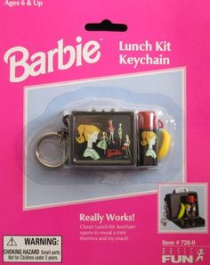Barbie Lunch Kit Keychain: Really Works by Basic Fun Miniature Crafts, Miniature Food, My Little Pony Dolls, American Girl Furniture, Cool Keychains, Barbie Kitchen, Beautiful Barbie Dolls, Barbie Accessories, Mini Things