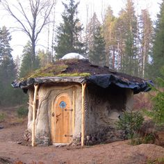 "This eensy Finnish cottage is interesting from an ""off-grid perspective"" because it combines several natural building methods all in one small dwelling – including earth bags, straw bales, lime plaster, cob, and cordwood! 