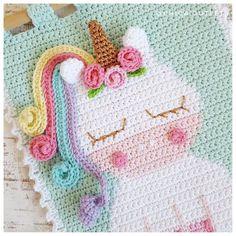 Crochet Decoration, Crochet Home Decor, Crochet Crafts, Crochet Projects, Crochet Wall Art, Crochet Wall Hangings, Tapestry Crochet, Rainbow Crochet, Crochet Baby