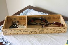 Creative and Functional Reuse of Rulers and Yardsticks 10 Ruler Crafts, Craft Stick Crafts, Craft Gifts, Wood Crafts, Fun Crafts, Wood Projects, Woodworking Projects, Craft Projects, Craft Ideas