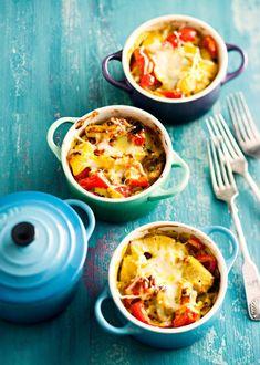 Kun ruoka pitää saada nopeasti pöytään, broileriruukku pelastaa! Valmista se jääkaappiin gratinointia vaille valmiiksi ja ennen ruokailua kuumenna herkulliseksi ateriaksi.