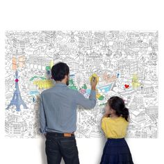 A drawing project to share with family and friends : giant coloring maps of London, Paris, Barcelona and New York. #kids #gifts #drawing #coloring #Paris #London #Barcelona #NewYork