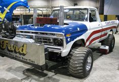 Truck And Tractor Pull, Tractor Pulling, Full Pull, Truck Pulls, Classic Ford Trucks, Logging Equipment, Ford 4x4, Old Tractors, Ford Falcon