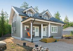 Hirsitalo Saloniemi 226 - Kuusamo Hirsitalot Garage House, Garage Design, House In The Woods, House Plans, Shed, Outdoor Structures, Inspiration, Balcony, Victorian
