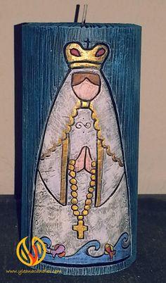 Virgen del Valle Catholic Art, Catholic Saints, Chocolate Cube, Prayer Corner, Candels, Design Competitions, Handmade Polymer Clay, Candle Making, Wood Art