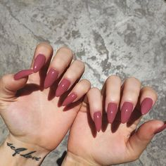 pιnтereѕт // conғυѕedтυмвlr ☾ ; Pinterest // notyohoney i want these exact same nails ; same color, shape and length