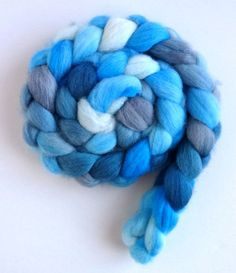 Falkland Wool Roving - Hand Dyed Spinning or Felting Fiber Fiber, Partly Cloudy, 4 ounces