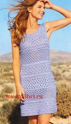 Очень интересное ажурное голубое платье, связанное спицами чередованием нескольких воздушных узоров. Прекрасный наряд для летнего отдыха. Схема и описание вязания летнего платья спицами