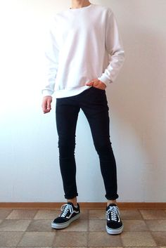 vans old skool black skinny jeans boys guys outfit Summer Outfits Men, Stylish Mens Outfits, Casual Outfits, Men Casual, Summer Men, Vans Outfit Men, Chinos Men Outfit, Vans Men, Blue Jeans Outfit Men